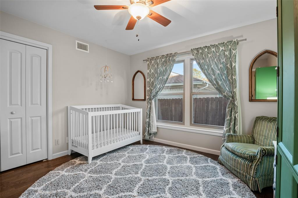 11232 Lanewood Circle, Dallas, Texas 75218 - acquisto real estate best park cities realtor kim miller best staging agent