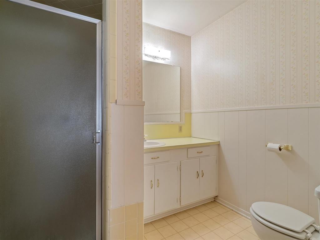 725 Tanglewood Street, Canton, Texas 75103 - acquisto real estate best realtor dfw jody daley liberty high school realtor