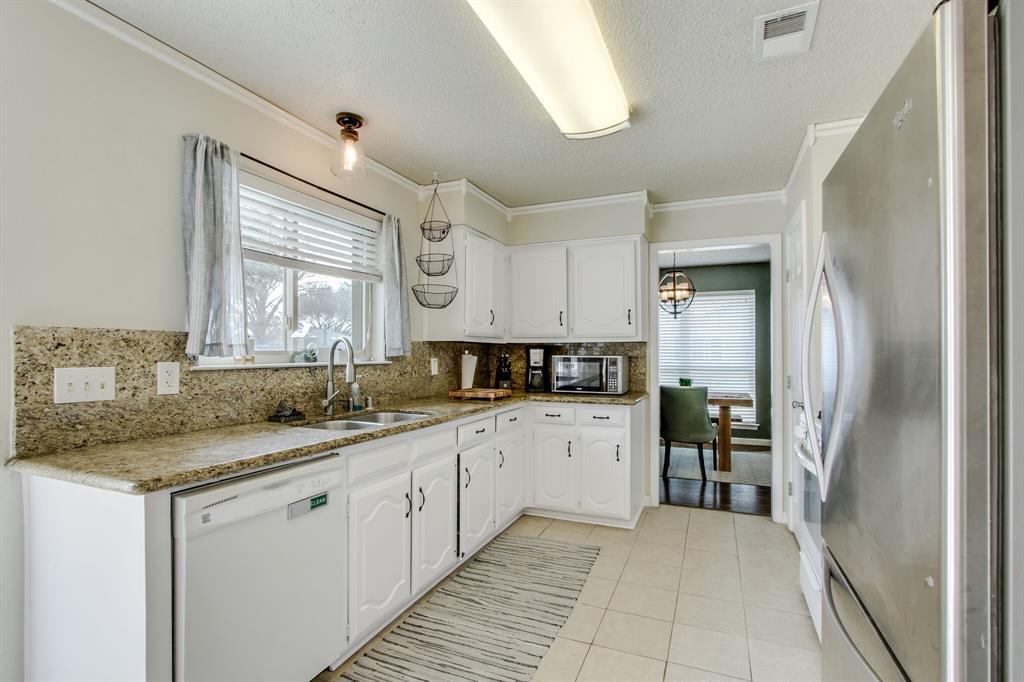 822 Century Park Drive, Garland, Texas 75040 - acquisto real estate best new home sales realtor linda miller executor real estate