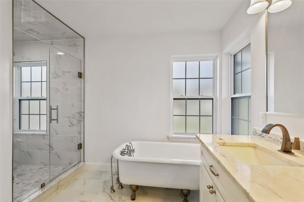 418 Montreal Avenue, Dallas, Texas 75208 - acquisto real estate best new home sales realtor linda miller executor real estate
