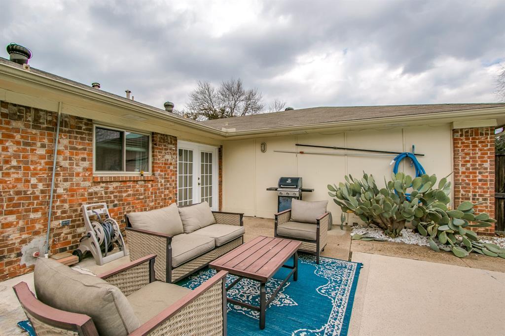 822 Century Park Drive, Garland, Texas 75040 - acquisto real estate best negotiating realtor linda miller declutter realtor