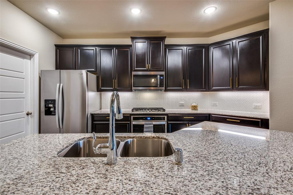 1805 Steppe Trail Drive, Aubrey, Texas 76227 - acquisto real estate best style realtor kim miller best real estate reviews dfw