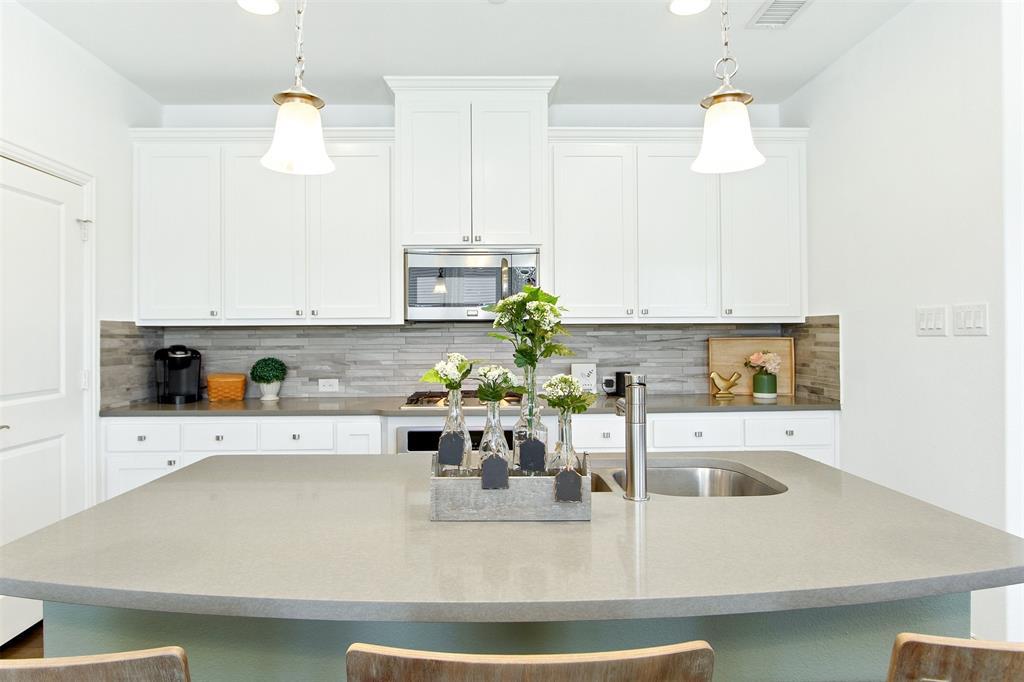 4670 Rhett Lane, Carrollton, Texas 75010 - acquisto real estate best celina realtor logan lawrence best dressed realtor