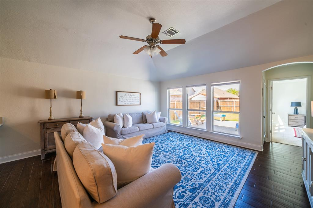 1643 Hillside  Drive, Waxahachie, Texas 75165 - acquisto real estate best luxury buyers agent in texas shana acquisto inheritance realtor