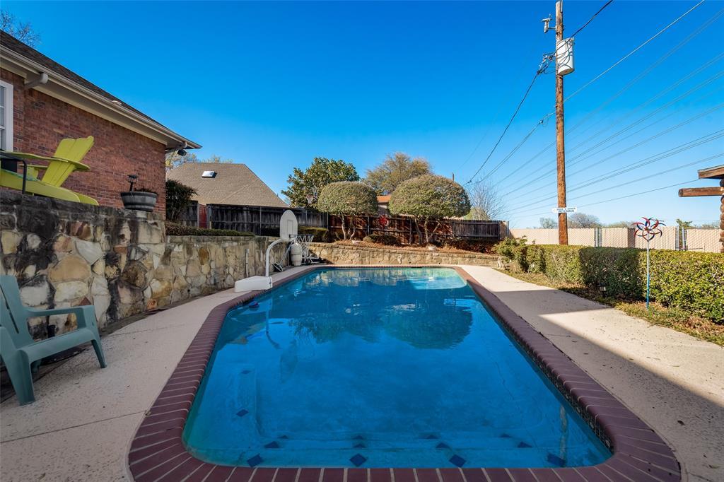 1506 Canterbury Court, Grand Prairie, Texas 75050 - acquisto real estate best plano real estate agent mike shepherd