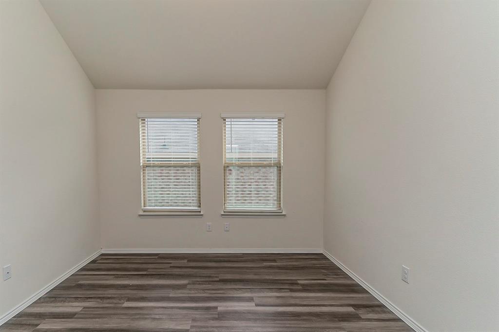452 Saguaro  Drive, Fort Worth, Texas 76052 - acquisto real estate best celina realtor logan lawrence best dressed realtor