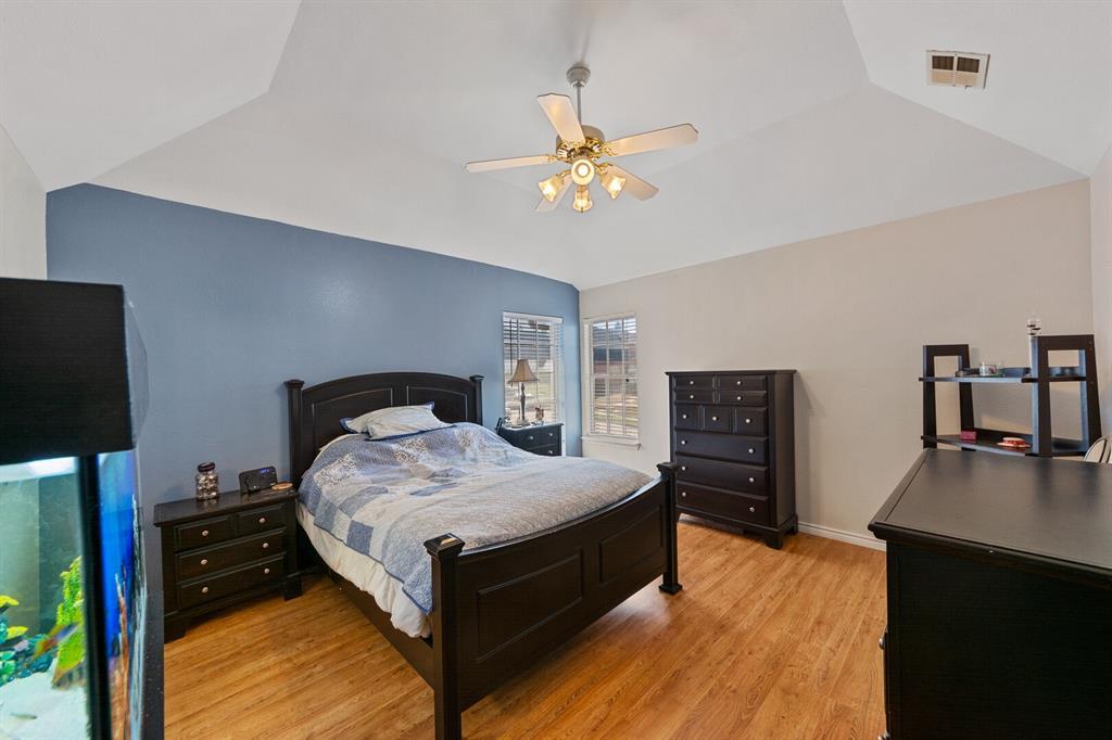 1352 Marken  Court, Carrollton, Texas 75007 - acquisto real estate best new home sales realtor linda miller executor real estate