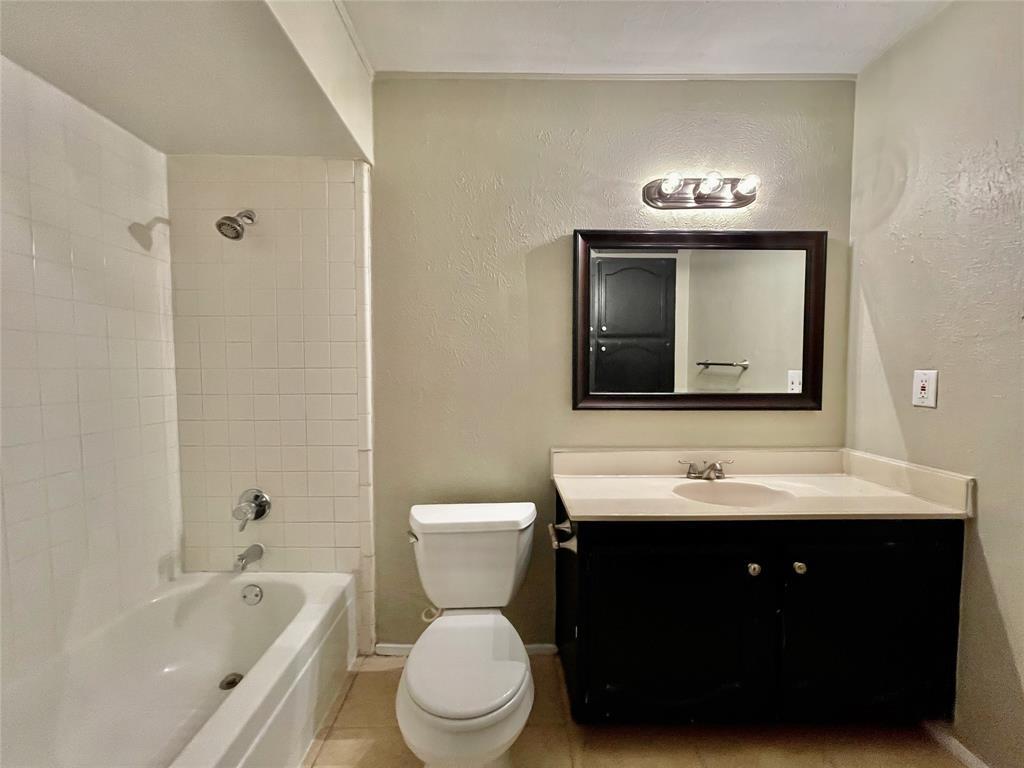 2226 Pennington  Drive, Arlington, Texas 76014 - acquisto real estate best realtor dfw jody daley liberty high school realtor