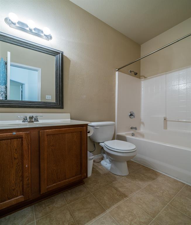 1643 Hillside  Drive, Waxahachie, Texas 75165 - acquisto real estate best photo company frisco 3d listings