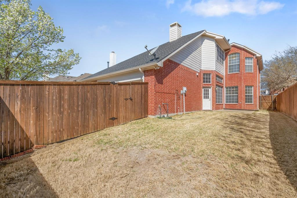 2031 Londonderry Drive, Allen, Texas 75013 - acquisto real estate best park cities realtor kim miller best staging agent