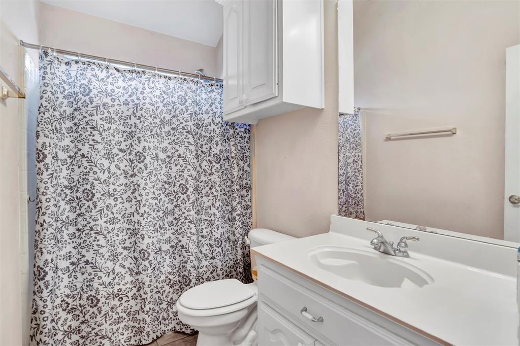 1811 Swaim Court, Arlington, Texas 76001 - acquisto real estate best listing photos hannah ewing mckinney real estate expert
