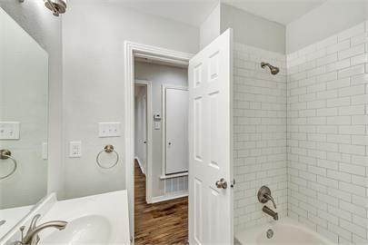 1109 Davis Drive, Arlington, Texas 76013 - acquisto real estate best realtor dfw jody daley liberty high school realtor