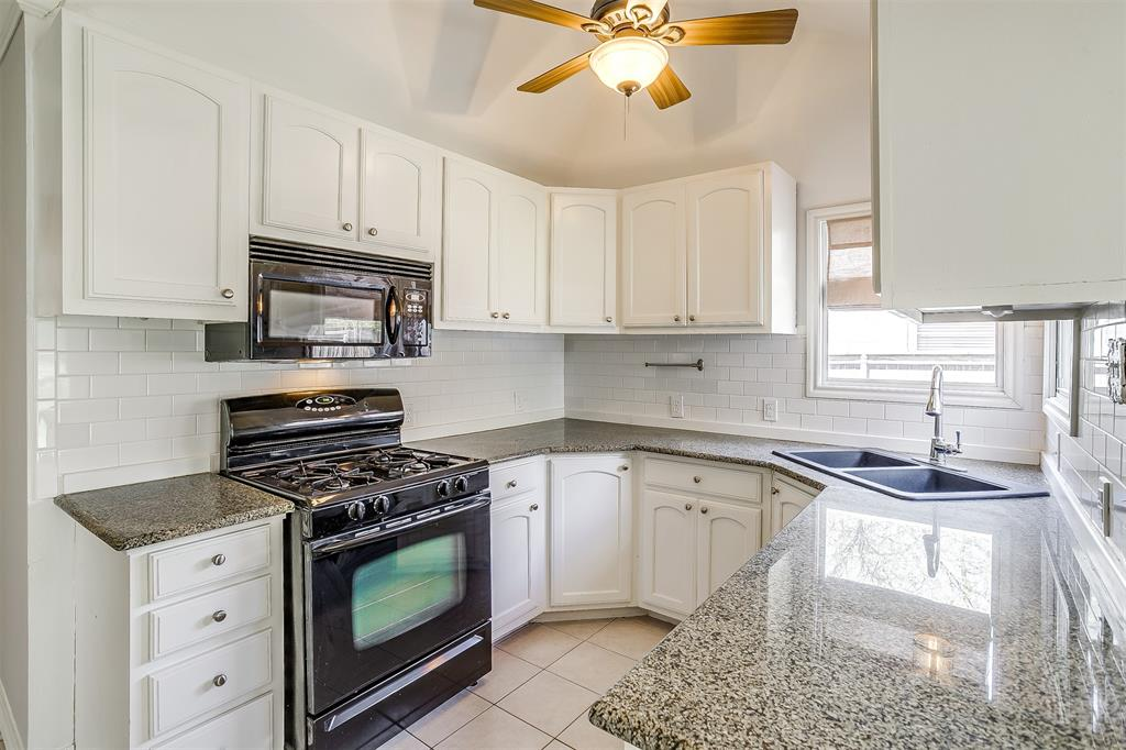 2939 6th Avenue, Fort Worth, Texas 76110 - acquisto real estate best new home sales realtor linda miller executor real estate