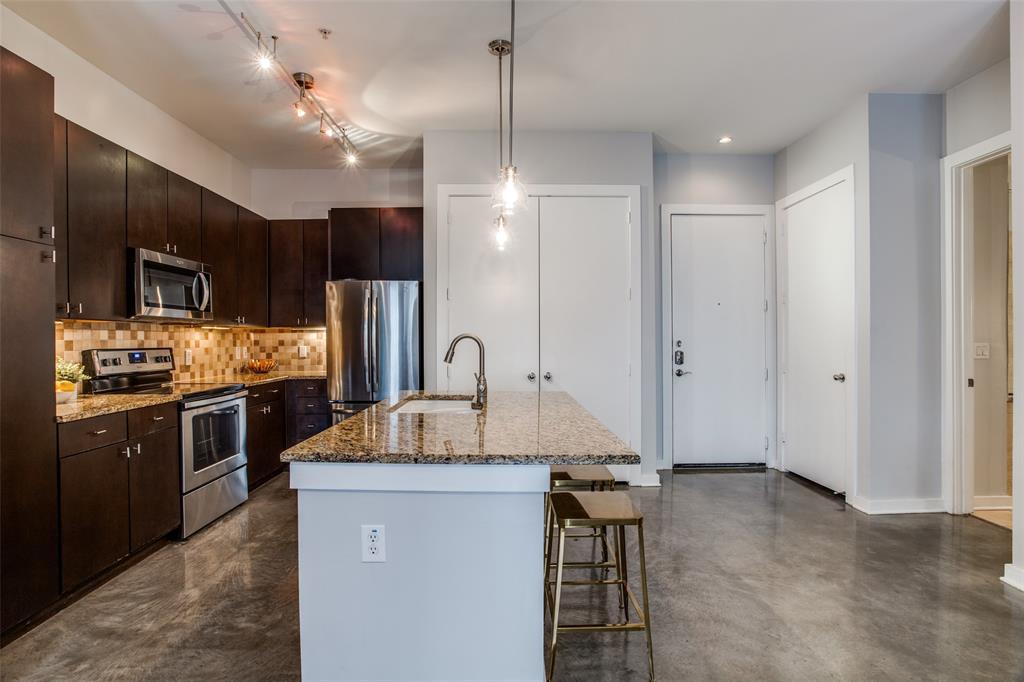 2950 Mckinney Avenue, Dallas, Texas 75204 - acquisto real estate best highland park realtor amy gasperini fast real estate service