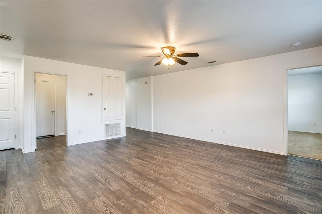 1261 Boxwood Lane, Burleson, Texas 76028 - acquisto real estate best photos for luxury listings amy gasperini quick sale real estate