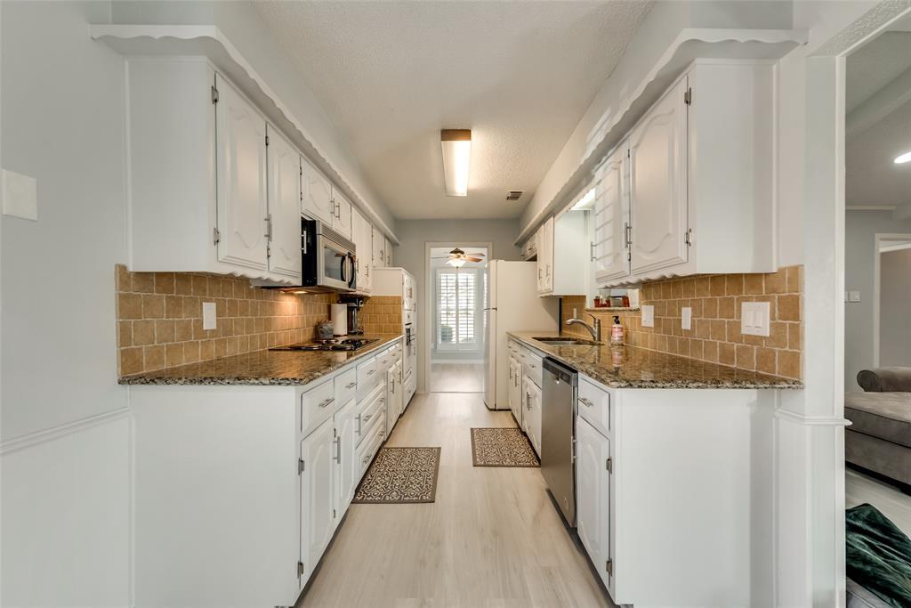 305 Stony Creek Drive, DeSoto, Texas 75115 - acquisto real estate best luxury buyers agent in texas shana acquisto inheritance realtor