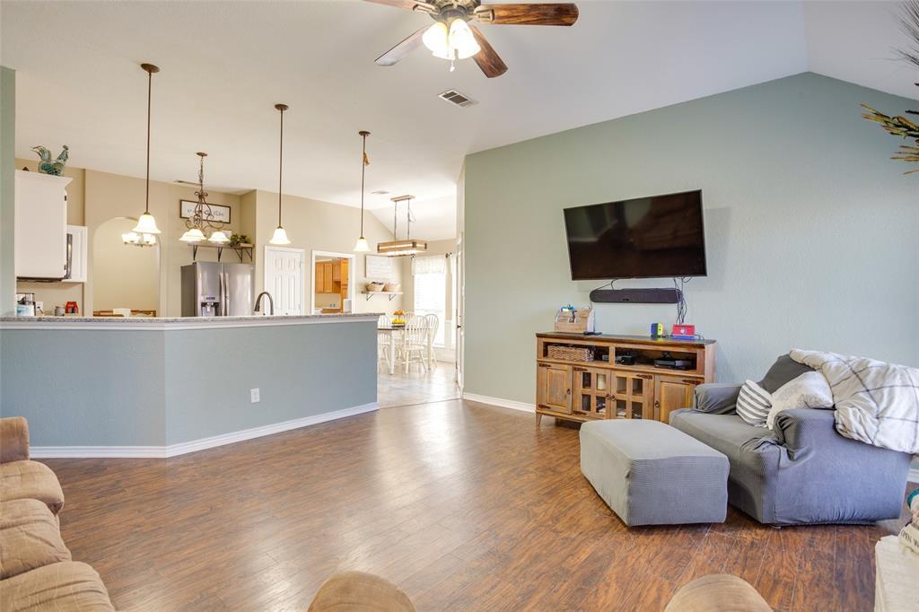 1341 Spinnaker Lane, Azle, Texas 76020 - acquisto real estate best highland park realtor amy gasperini fast real estate service