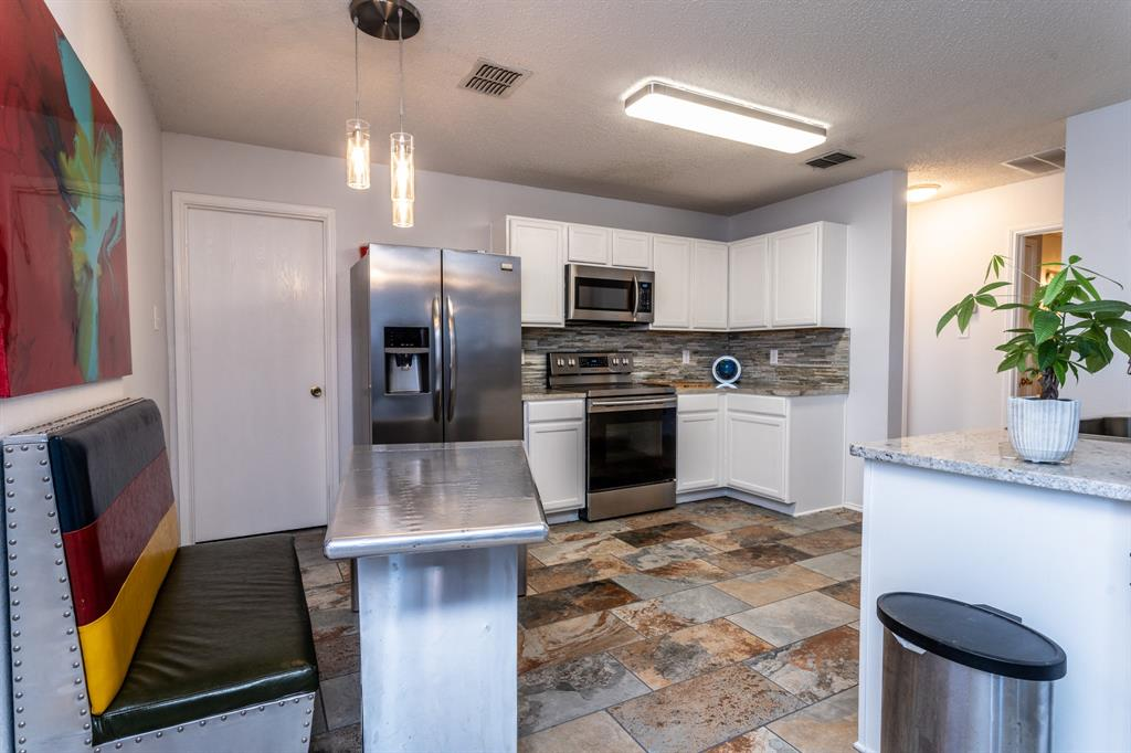 1401 Daisy Drive, Lancaster, Texas 75134 - acquisto real estate best real estate company to work for