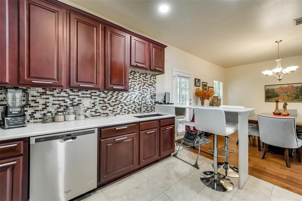 121 Barrington Lane, Lewisville, Texas 75067 - acquisto real estate best real estate company to work for