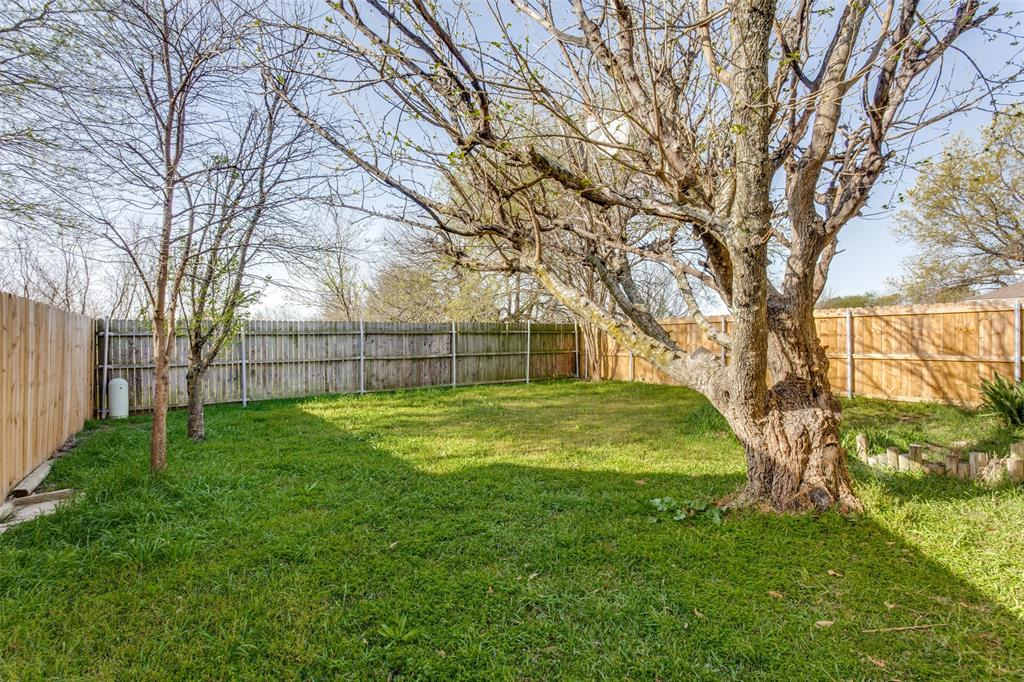 1725 Woodhall Way, Fort Worth, Texas 76134 - acquisto real estate best realtor foreclosure real estate mike shepeherd walnut grove realtor