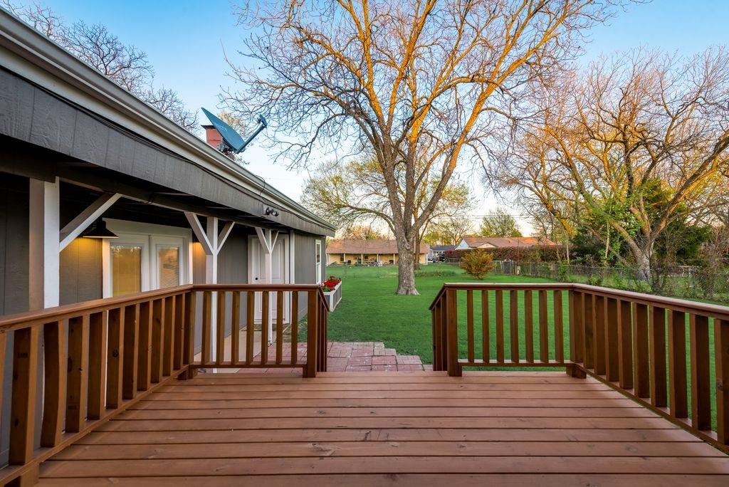 1209 Pine Street, Grapevine, Texas 76051 - acquisto real estate best real estate idx dilusso marketing mike acquisto