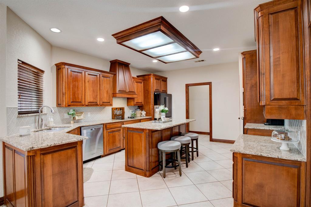 1805 Westhill Drive, Cleburne, Texas 76033 - acquisto real estate best frisco real estate broker in texas for high net worth buyers