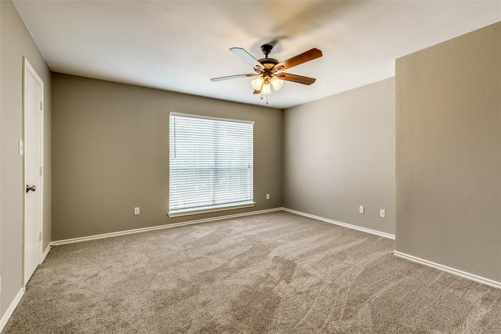 823 Ogden Drive, Arlington, Texas 76001 - acquisto real estate agent of the year mike shepherd