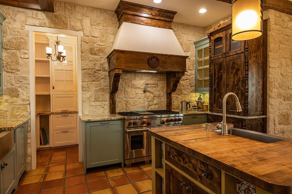 1156 The Shores Drive, Corsicana, Texas 75109 - acquisto real estate best designer and realtor hannah ewing kind realtor