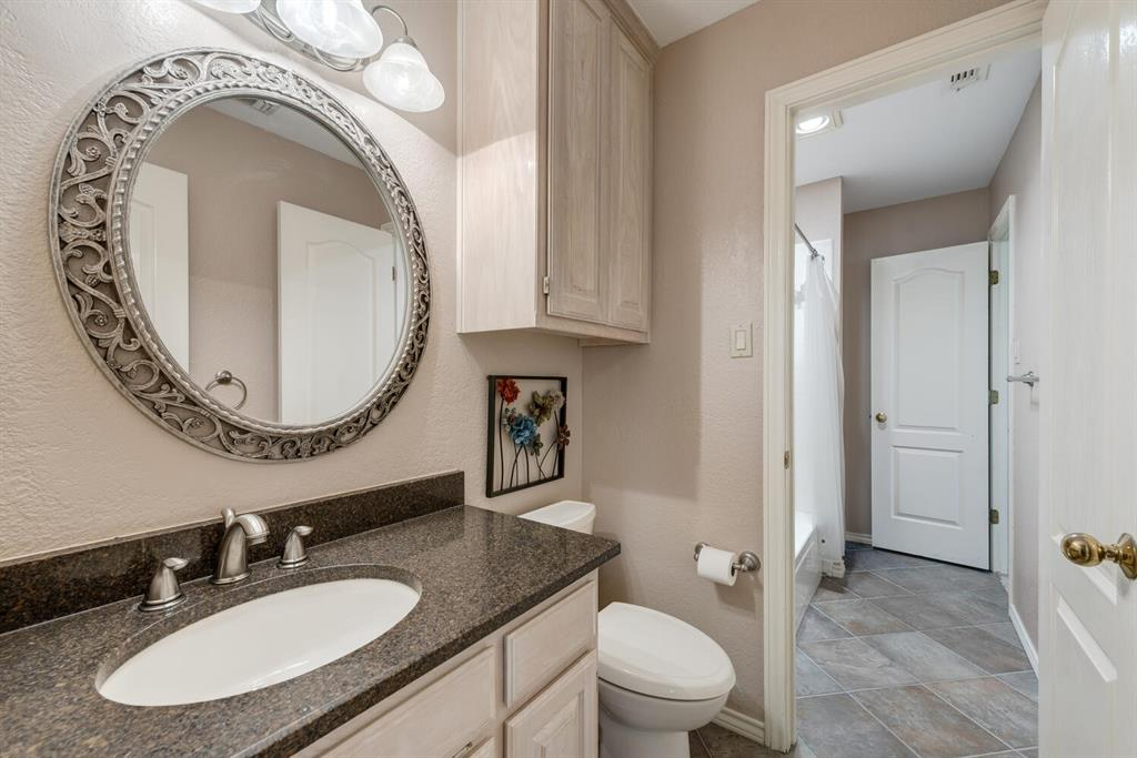 202 Rochelle Court, Colleyville, Texas 76034 - acquisto real estate best plano real estate agent mike shepherd