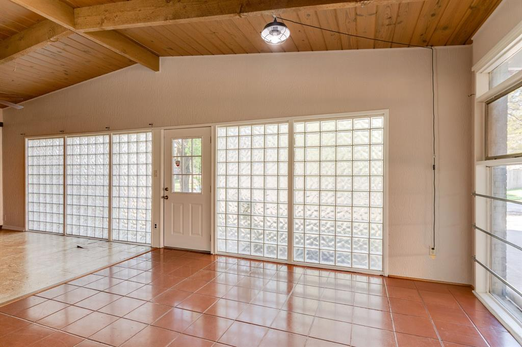 1941 Standish Drive, Irving, Texas 75061 - acquisto real estate best photos for luxury listings amy gasperini quick sale real estate