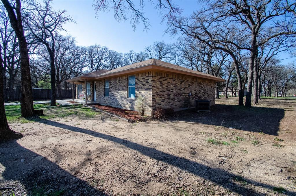 106 Fiesta Court, Chico, Texas 76431 - acquisto real estate best frisco real estate agent amy gasperini panther creek realtor