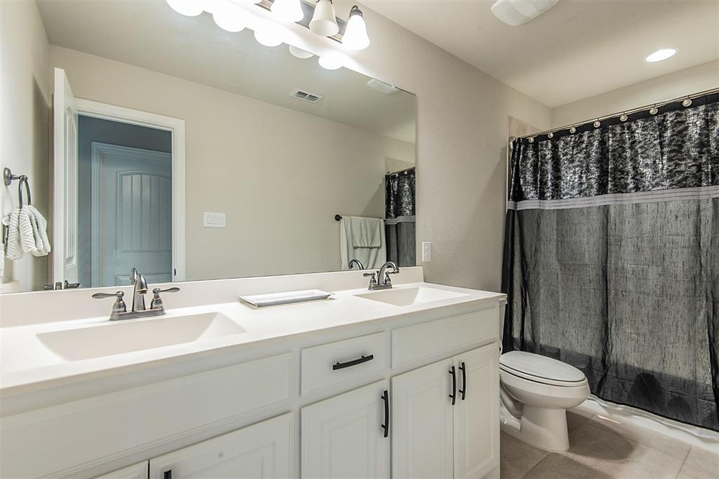 1917 Middleton Drive, Mansfield, Texas 76063 - acquisto real estate best photos for luxury listings amy gasperini quick sale real estate
