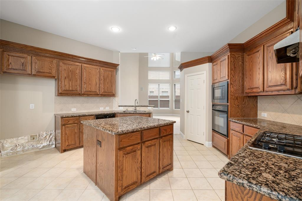 2216 New College  Lane, Plano, Texas 75025 - acquisto real estate best real estate company to work for