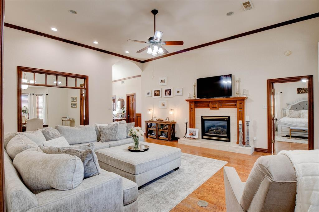 1805 Westhill Drive, Cleburne, Texas 76033 - acquisto real estate best new home sales realtor linda miller executor real estate