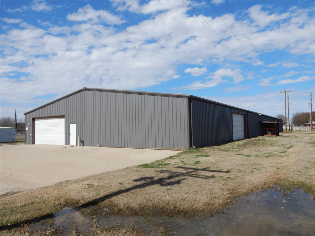 936 Production Drive, Pilot Point, Texas 76258 - Acquisto Real Estate best frisco realtor Amy Gasperini 1031 exchange expert