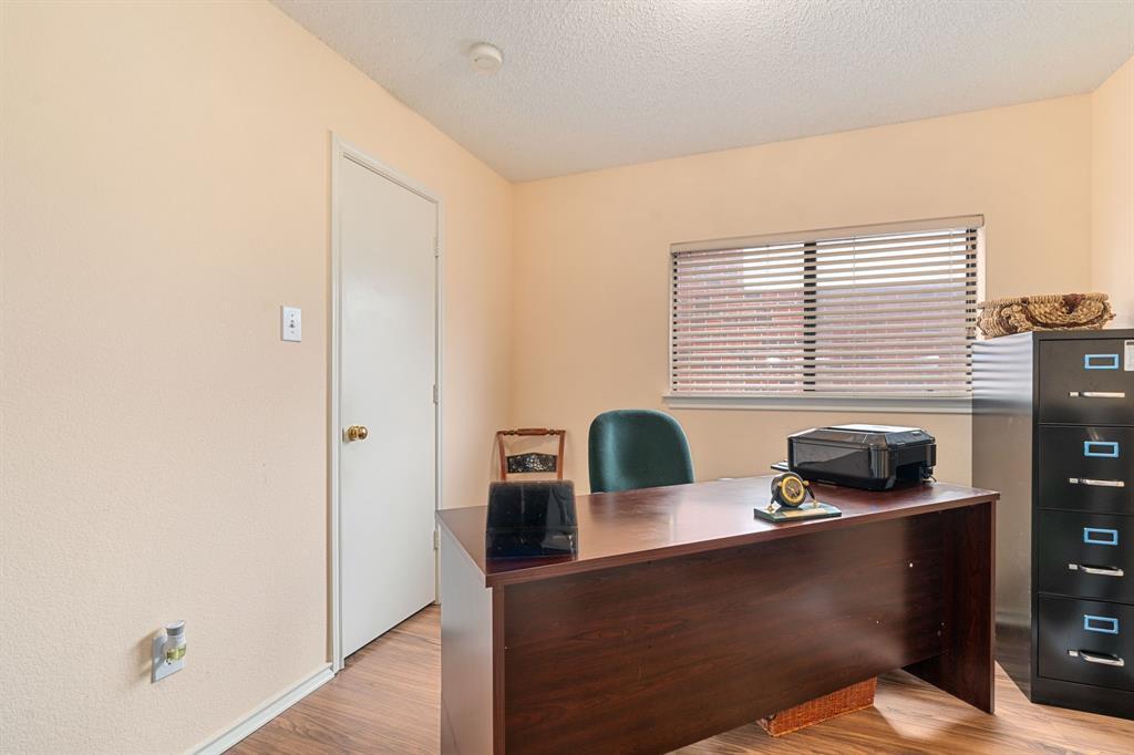 6606 BERYL Drive, Arlington, Texas 76002 - acquisto real estate best new home sales realtor linda miller executor real estate
