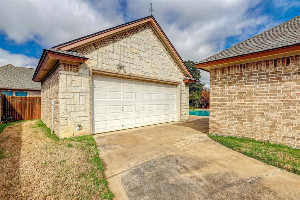 7029 Ridge Crest  Drive, North Richland Hills, Texas 76182 - acquisto real estate best investor home specialist mike shepherd relocation expert