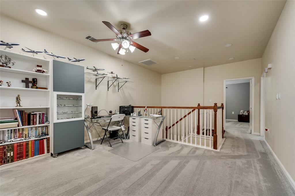 121 Barrington Lane, Lewisville, Texas 75067 - acquisto real estate best realtor foreclosure real estate mike shepeherd walnut grove realtor