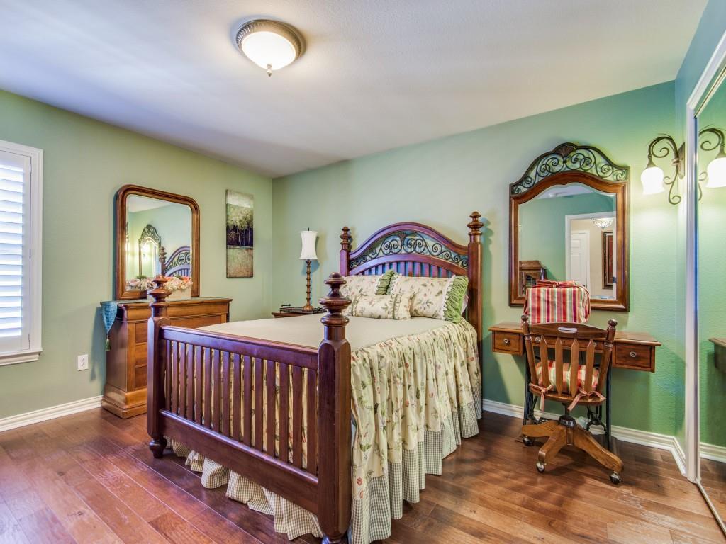 9005 Crestview Drive, Denton, Texas 76207 - acquisto real estate best park cities realtor kim miller best staging agent
