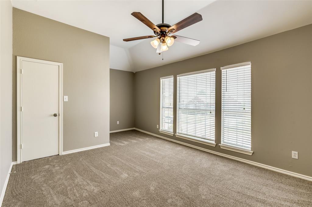 823 Ogden Drive, Arlington, Texas 76001 - acquisto real estate best park cities realtor kim miller best staging agent