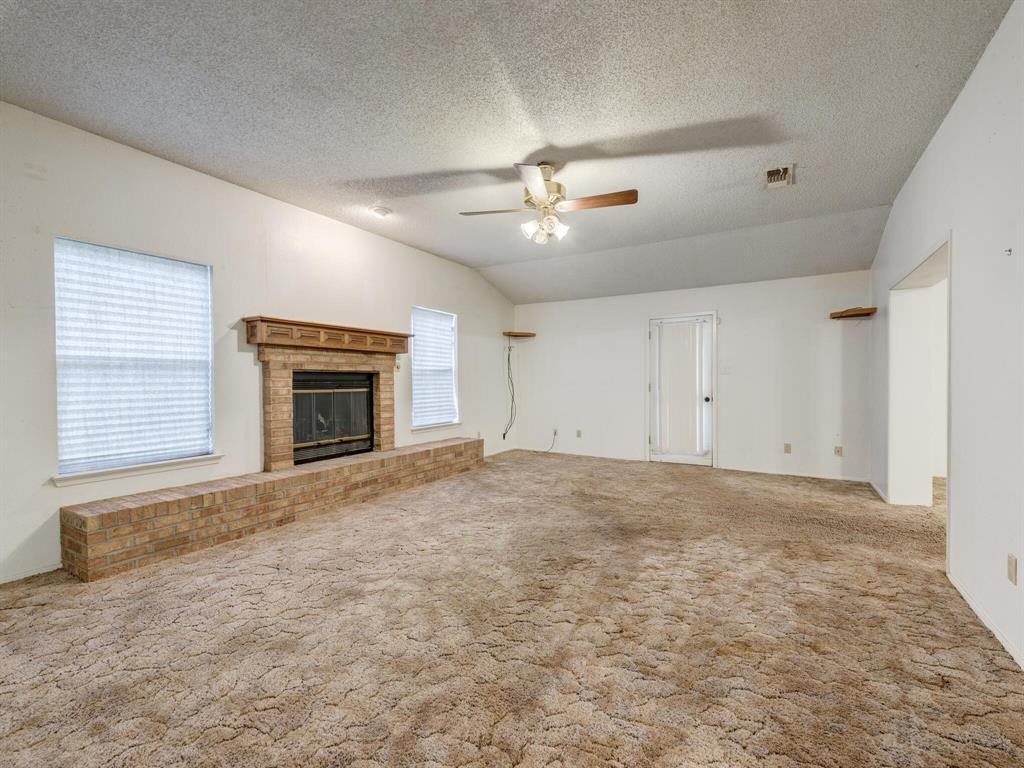 2507 Hilldale Boulevard, Arlington, Texas 76016 - acquisto real estate best designer and realtor hannah ewing kind realtor