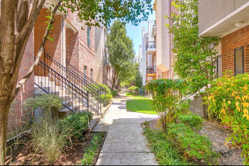 5800 La Vista Drive, Dallas, Texas 75206 - acquisto real estate best park cities realtor kim miller best staging agent