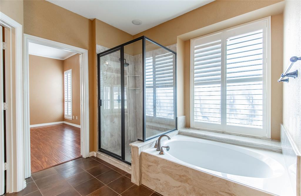 529 Salisbury Drive, Grand Prairie, Texas 75052 - acquisto real estate best investor home specialist mike shepherd relocation expert