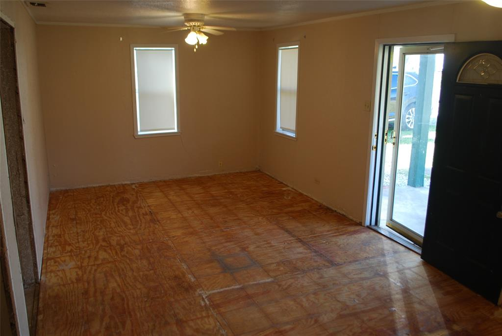202 McFall Street, Whitesboro, Texas 76273 - acquisto real estate best new home sales realtor linda miller executor real estate