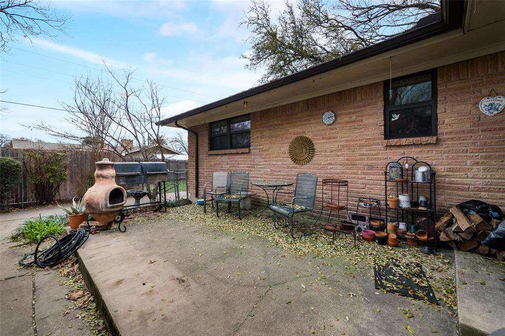 1109 Southgate Drive, Garland, Texas 75041 - acquisto real estate best realtor dallas texas linda miller agent for cultural buyers