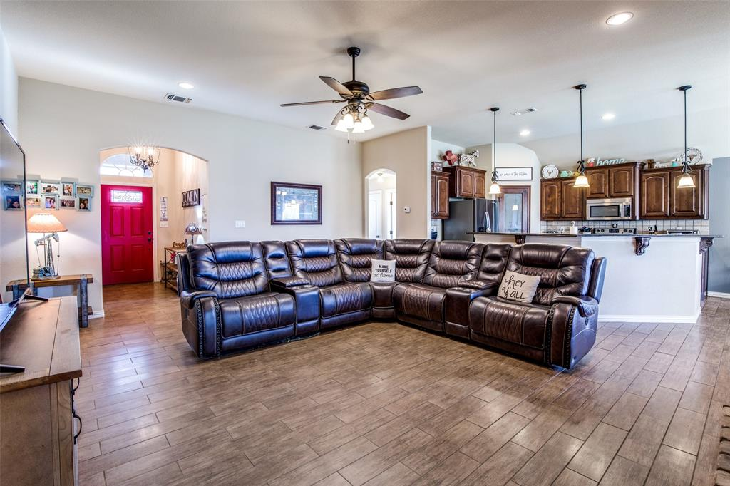 188 Sandpiper  Drive, Weatherford, Texas 76088 - acquisto real estate best highland park realtor amy gasperini fast real estate service