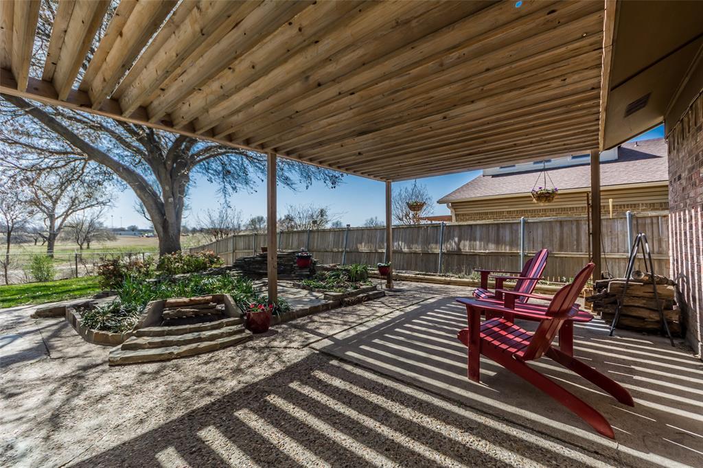 2412 Via Bonita  Carrollton, Texas 75006 - acquisto real estate best negotiating realtor linda miller declutter realtor
