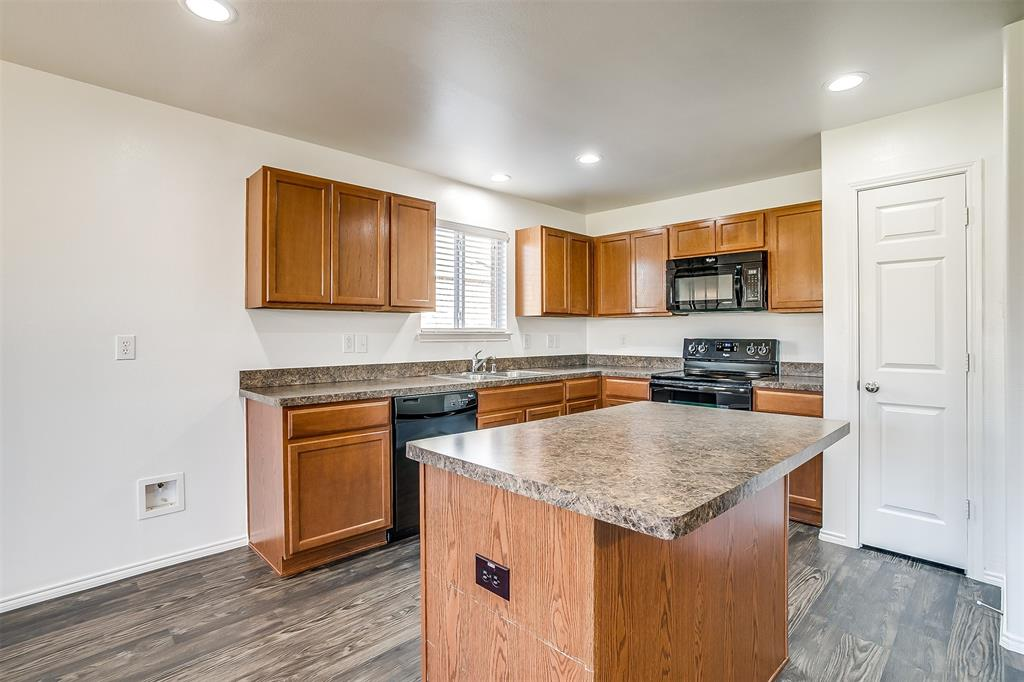 1261 Boxwood Lane, Burleson, Texas 76028 - acquisto real estate best realtor foreclosure real estate mike shepeherd walnut grove realtor