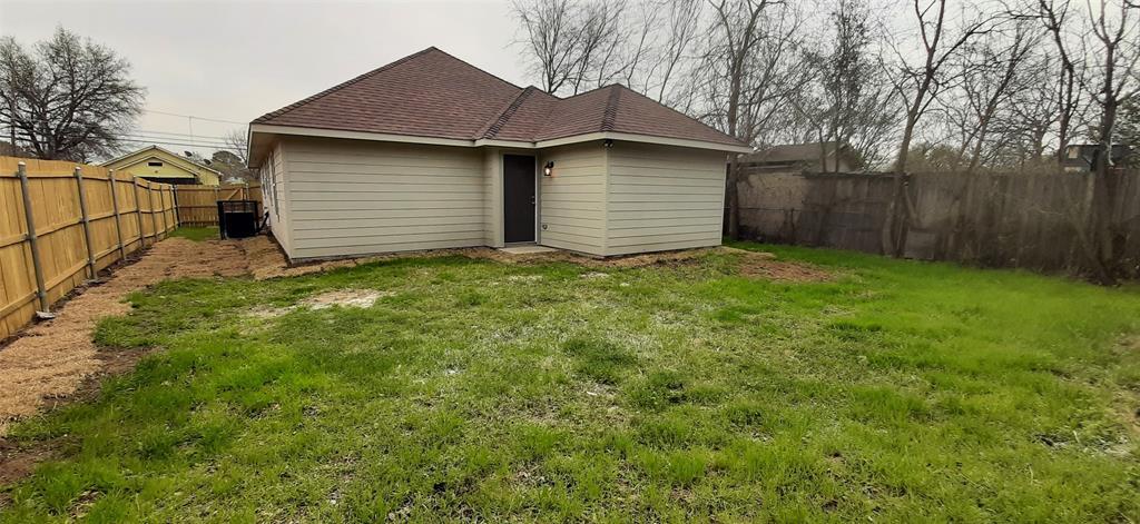 4223 Frank  Street, Dallas, Texas 75210 - acquisto real estate best realtor foreclosure real estate mike shepeherd walnut grove realtor