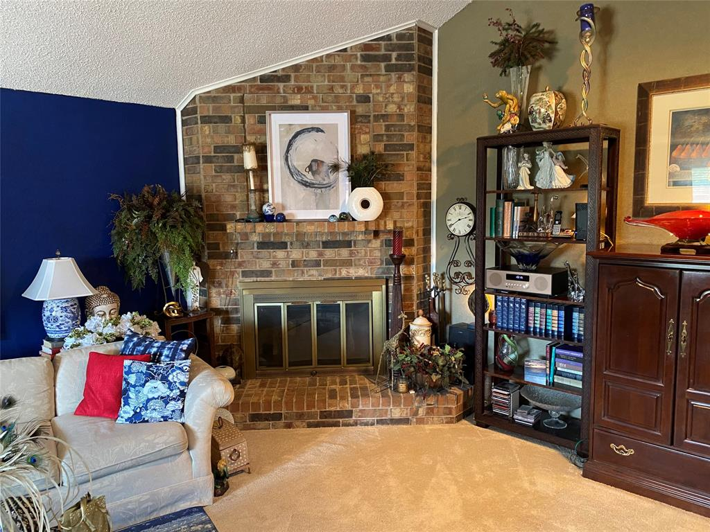 2401 Thistle Court, Euless, Texas 76039 - acquisto real estate best prosper realtor susan cancemi windfarms realtor